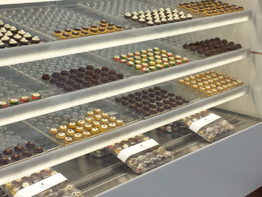 Refrigerated Display Case by Diamond Group